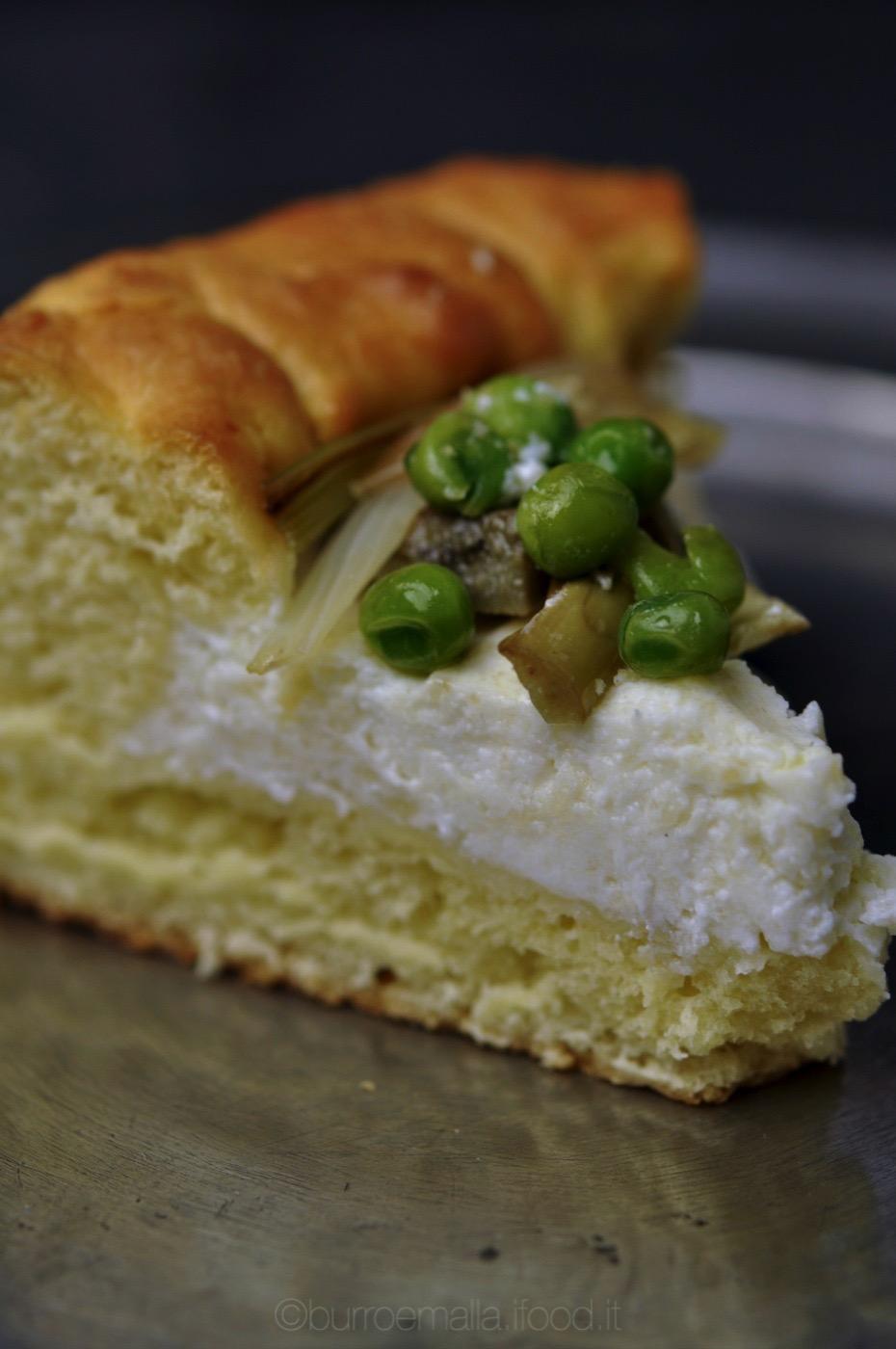 bavarese lievitata con crema di ricotta e verdure sauté