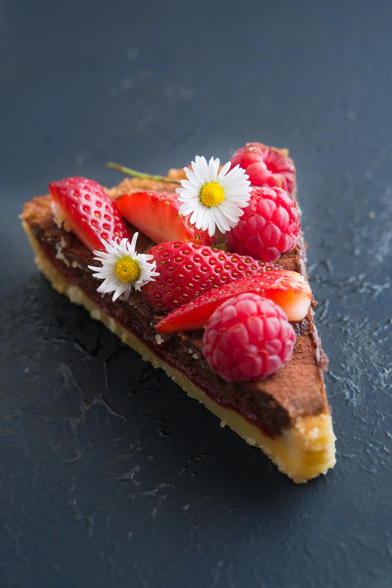 chocolate raspberry tart di ottolenghi particolare fetta